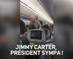 Jimmy Carter salue tous les passagers d'un avion !