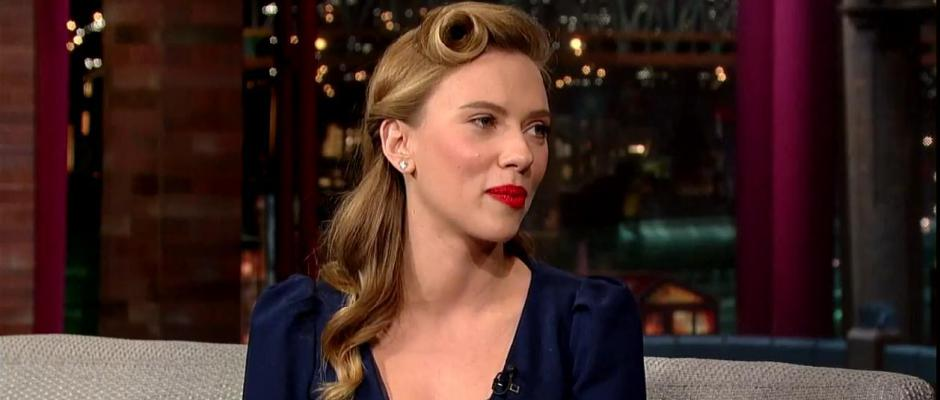 VIDEO: Scarlett Johansson se moque des parisiens