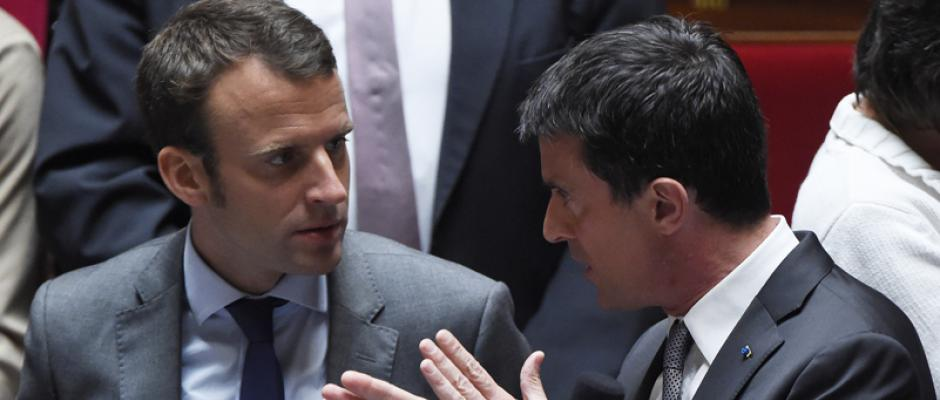 Surprise d'Emmanuel Macron : François Hollande sourit, Manuel Valls bondit