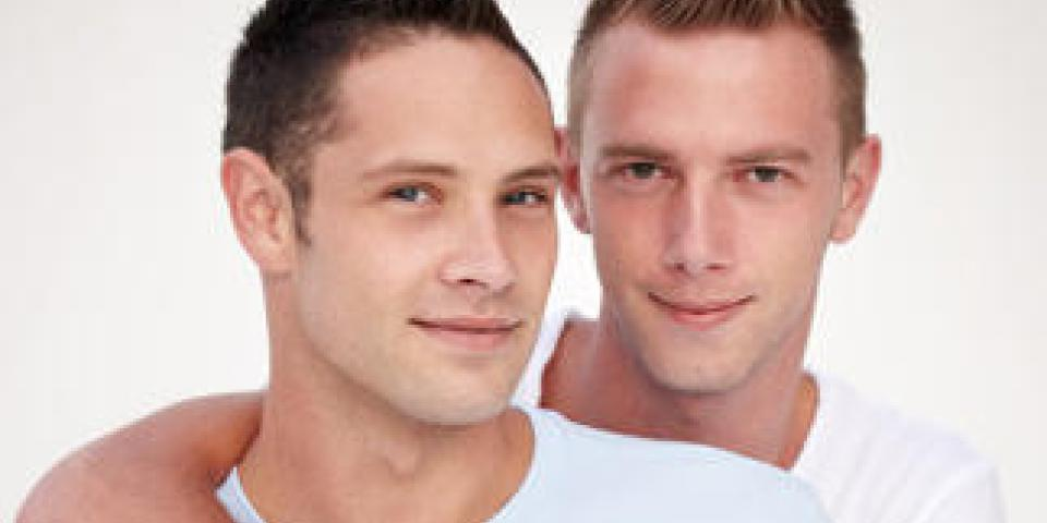 43% des Français mal à l'aise face à un couple gay